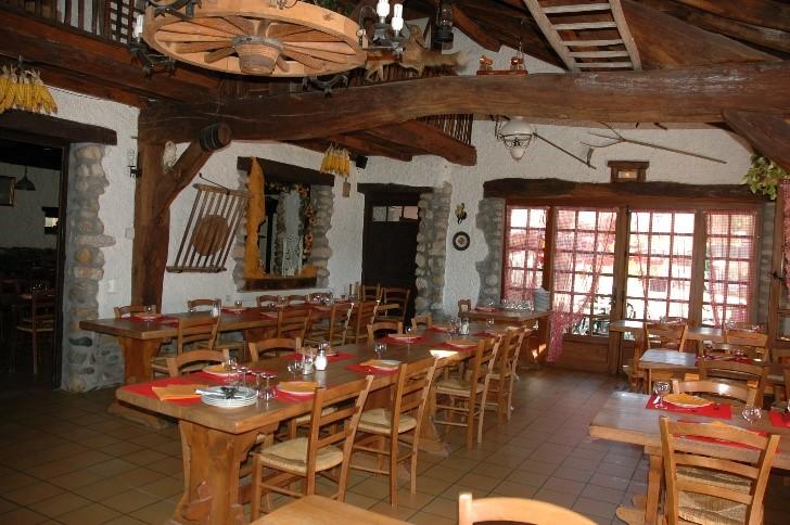 salle auberge ailloud - repas de groupe
